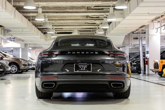 Certified Pre-Owned 2017 Porsche Panamera 4