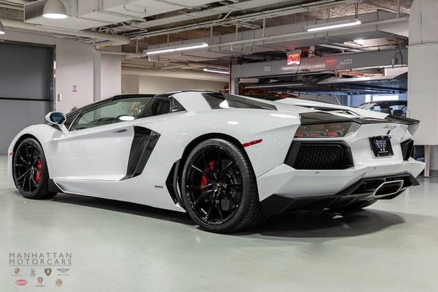 How Much Does A Lamborghini Veneno Cost >> Lamborghini Of Manhattan Lamborghini Super Car